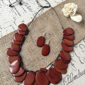BROWN STATEMENT NECKLACE AND DANGLE EARRINGS