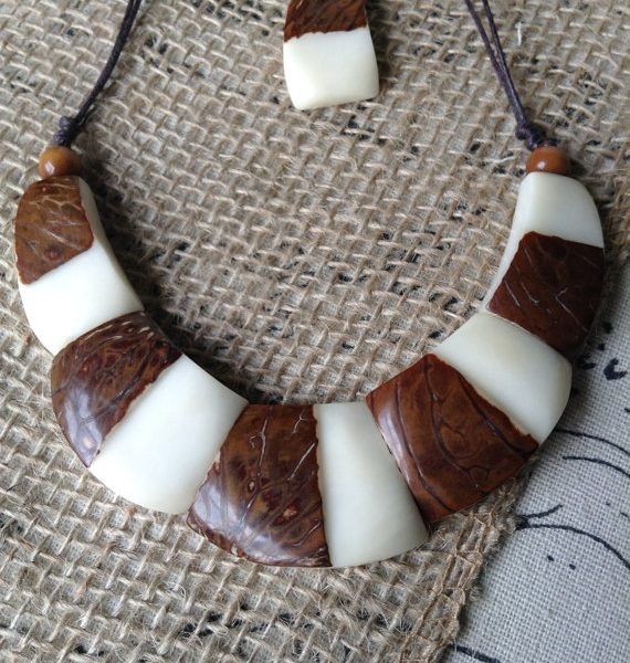 TAGUA NECKLACE AND DANGLE EARRINGS SET - ECO FRIENDLY JEWELRY