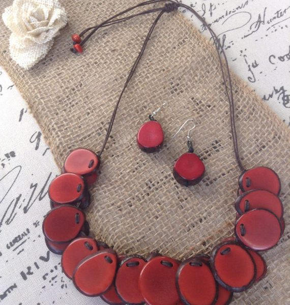 RED CORAL STATEMENT NECKLACE AND DANGLE EARRINGS