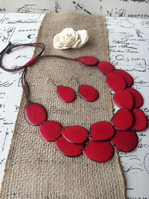 RED STATEMENT LAYERED NECKLACE AND EARRINGS SET