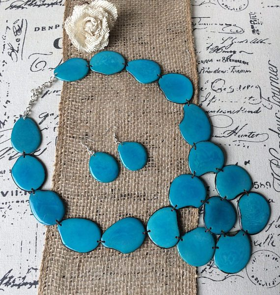 TURQUOISE NECKLACE MADE OF ECO FRIENDLY TAGUA