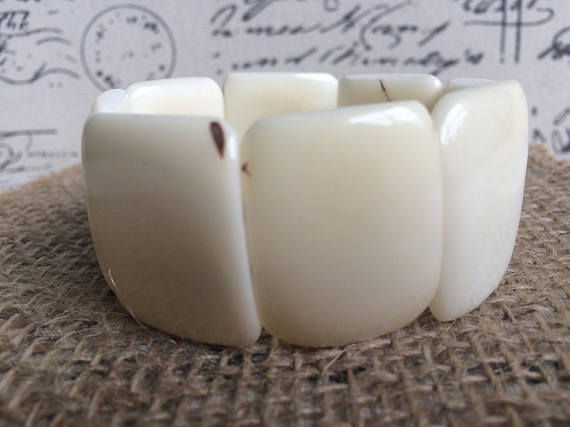 TAGUA NUT WHITE STATEMENT BRACELET