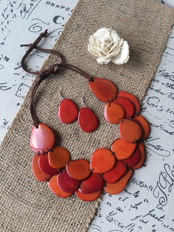 BURNT ORANGE AND RED TRIPLE LAYERED NECKLACE AND EARRINGS SET