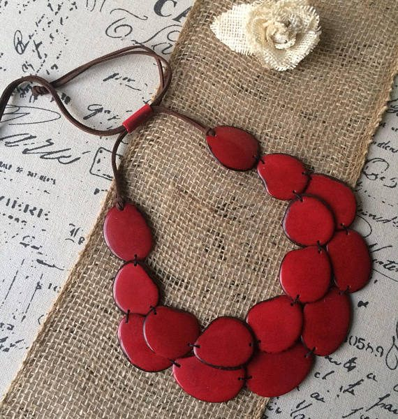 RED STATEMENT LAYERED NECKLACE