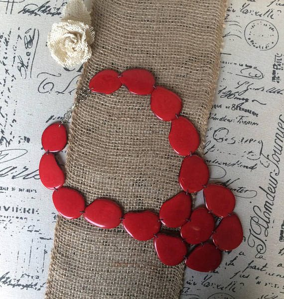 RED BIB TAGUA NECKLACE