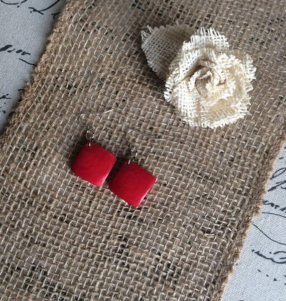 RED TAGUA EARRINGS