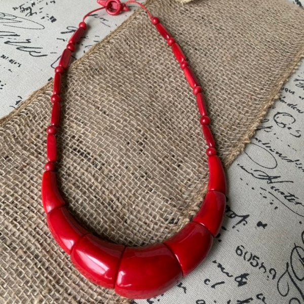 red thick tagua necklace