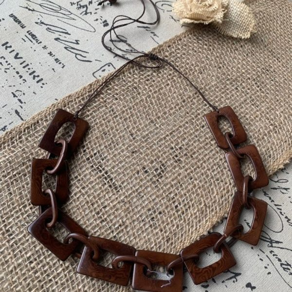 Brown chain link necklace
