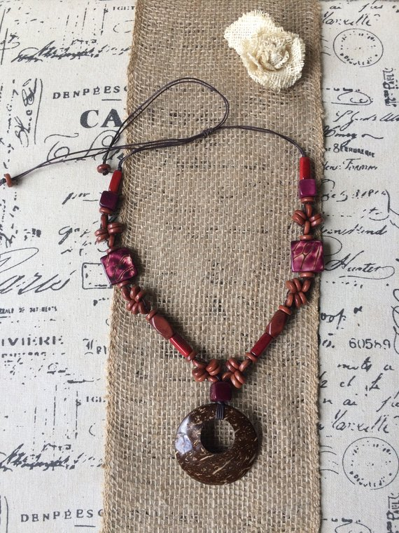 Brown necklace with coconut tagua acai