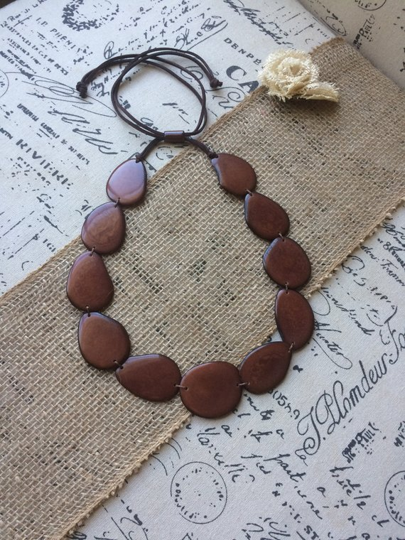 Brown simple tagua necklace